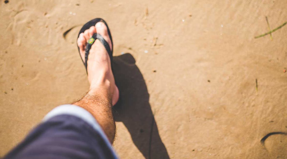70ab6ede5009 5 Of the Best Men s Flip Flops with Arch Support